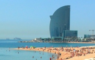 Area-Fous-Platja-Barceloneta-and-W-Hotel cro